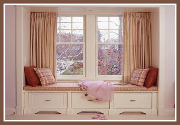 Мягкий подоконник в детской спальне