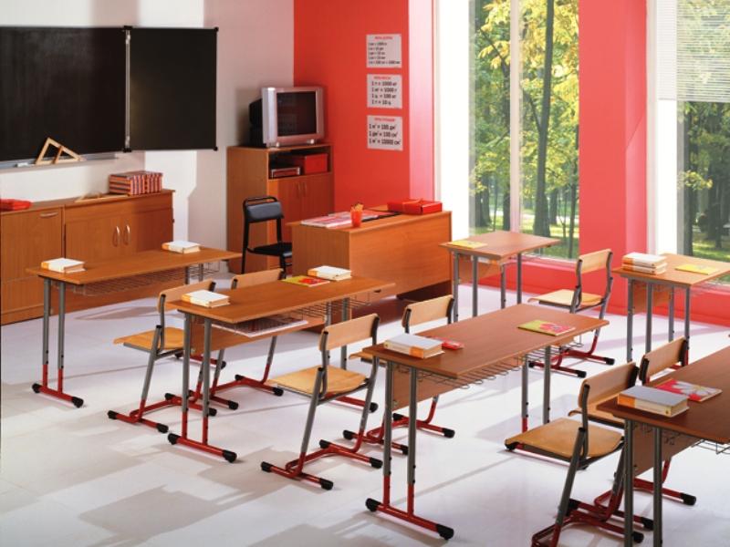 Правильное оборудование школьного кабинета мебелью экологичн.