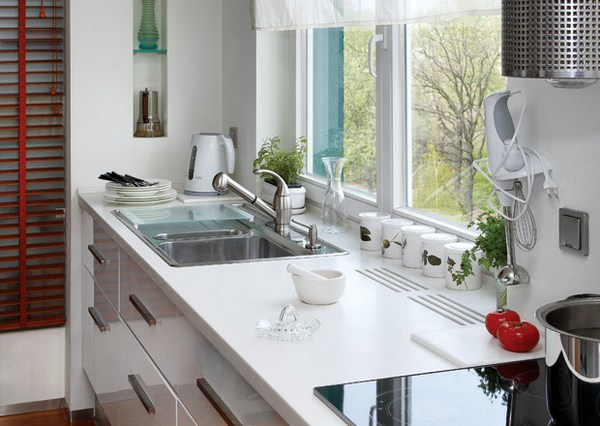 Мыть посуду, любуясь пейзажем за окном – маленькая мечта любой хозяйки