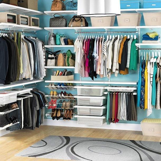 Коробки в гардеробной