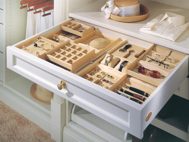 Ящик в гардеробной