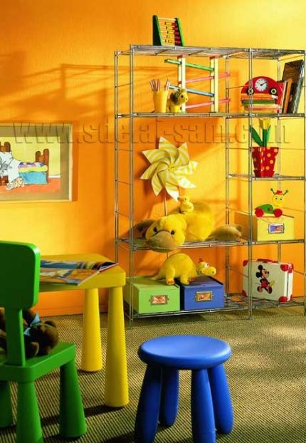 Стены ярких цветов - отличный выбор для детских