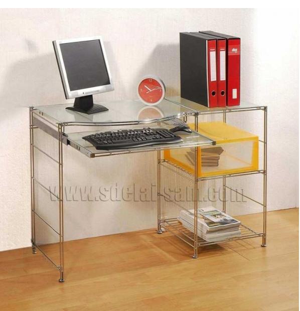 Встроенные полки в офисном столе наиболее практичны при сидячей работе