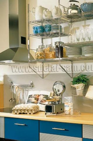 Идеальный вариант для кухни в светлых тонах - желтая столешница