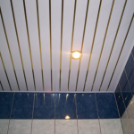 ПВХ-панели как оптимальный вариант потолка в ванной
