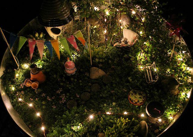 Освещение для маленького сада