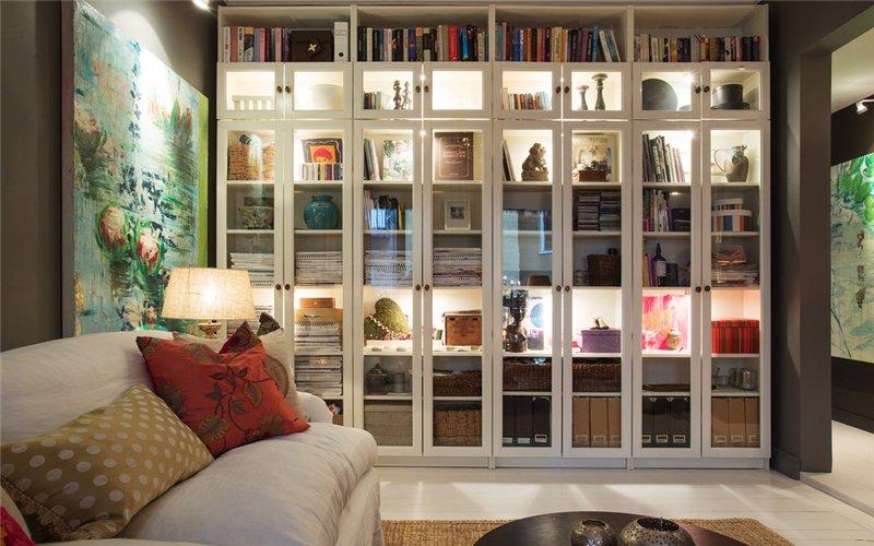 Страстные книголюбы могут выделить под библиотеку целую стену