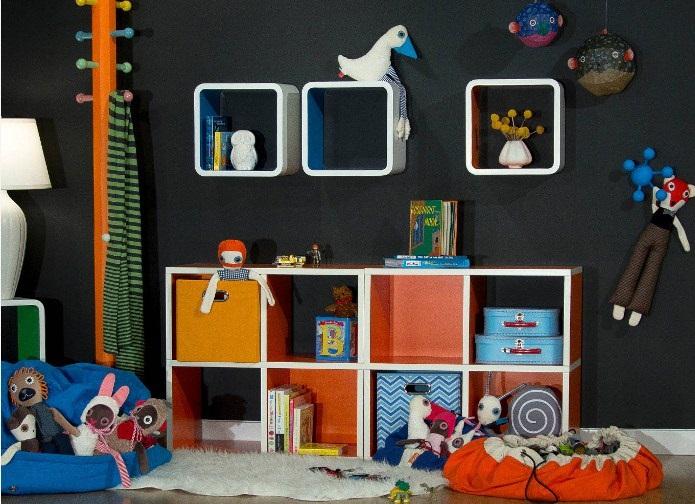 Модульный стеллаж с открытым доступом к игрушкам